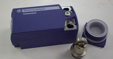 Telemechanique Safety Switch on Chuck Guard 2 N/C  PRO 425