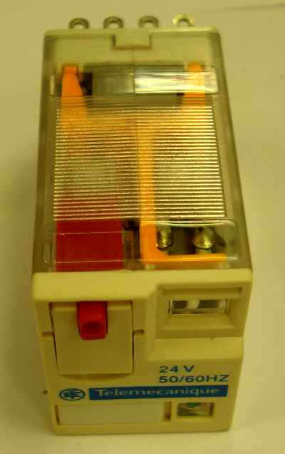 Telemechanique  Relay 24 Volt 6 Amp For  XYZ 2280